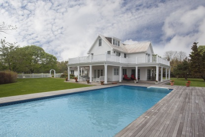 5 Lighthouse Road, Hampton Bays