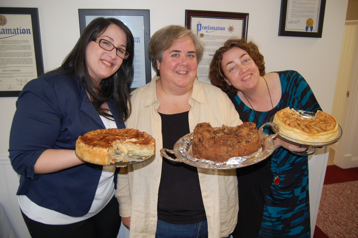 Genevieve Horsburgh, Ellen Diogaurdi and Stacy Dermont with their winner entries.