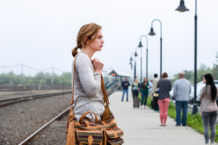 Allison at the Montauk LIRR station in Showtime's The Affair