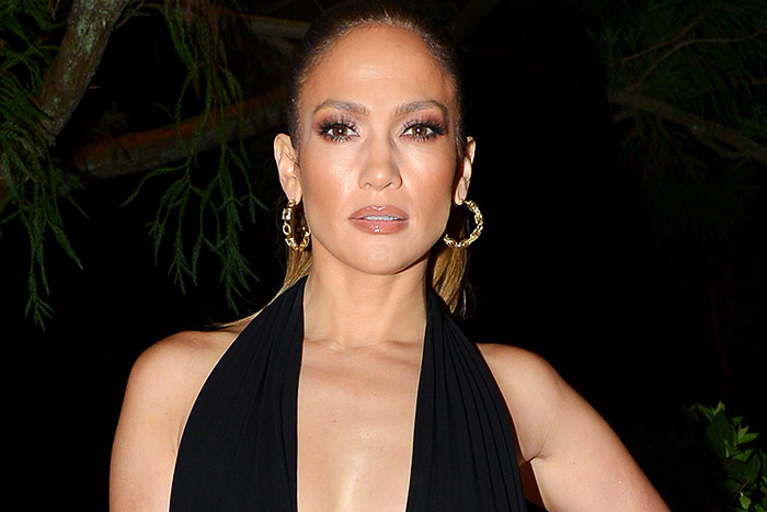 Jennifer Lopez Skips Own New Year's Eve Show for Drake's