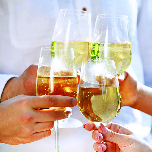 Cheers to SoFo, Photo: Darya Petrenko/123RF