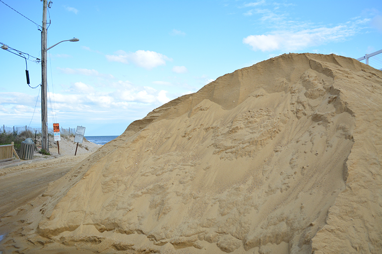 Replacement sand for South Edison Beach, Photo: David Taylor