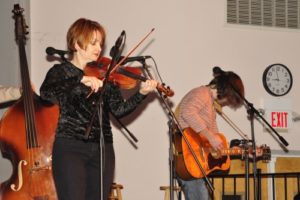 Fiddle-player Tammy Rogers with guitar-player Gary Nichols
