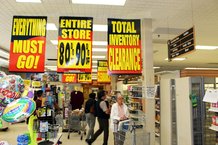 Waldbaum's clears out its last items on Wednesday