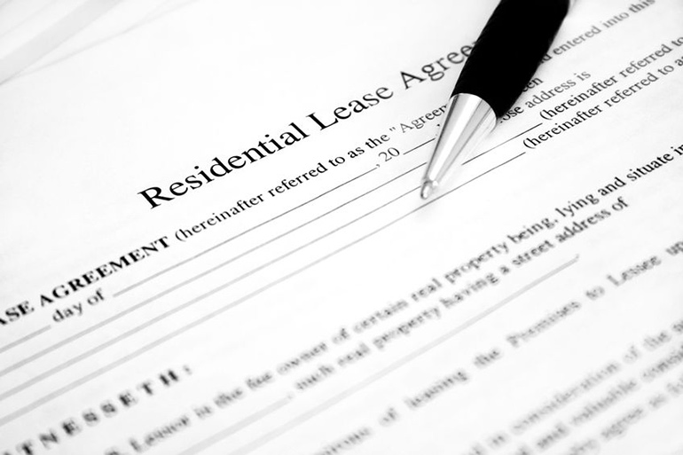 Rental lease agreement with pen