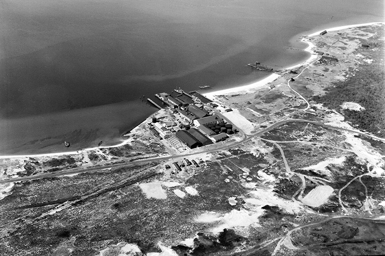 #87 Aerial Smith Meal fish plant, 1954. Dave Edwardes Collection, Montauk Library