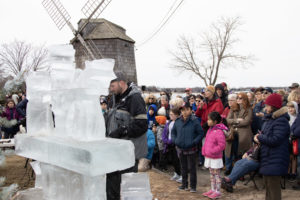 Rich Daly finishing the live ice carving demo