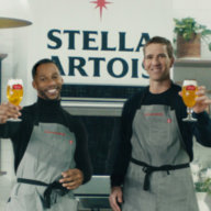 Victor Cruz and Eli Manning serving up Stella Stadium Bites by Blue Apron.