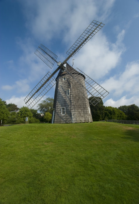 The old Hook Windmill in East Hampton can stay